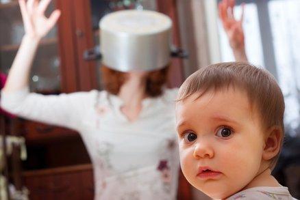 Pravda o mateřství: Co vás čeká první dny mateřské? Budete sama!