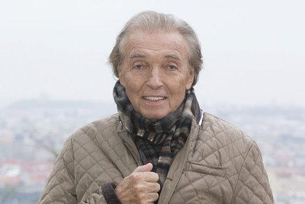 Karel Gott (76) po třetí chemoterapii: Přišel o své dvě velké radosti!