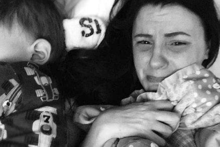 Nejsmutnější příběh: Matka se svěřila, že její syn se udusil v postýlce