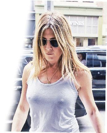 Jedno se Aniston musí nechat - umí přitáhnout pozornost.