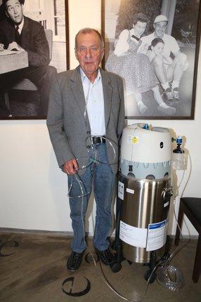 Radim Souček musí dýchat kyslík ze speciálního přístroje.