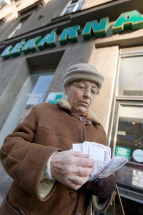 Každá cesta do lékárny se prodraží, za rok to může být o tisíce.