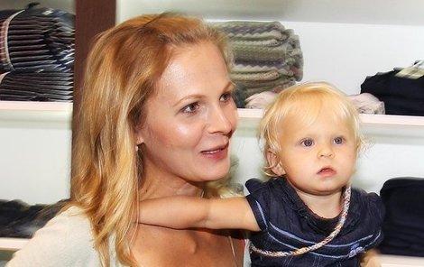 Michaela Badinková s dcerkou.