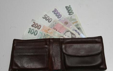 Kvůli novým sazbám DPH budou naše peněženky po nákupech zase o něco lehčí.