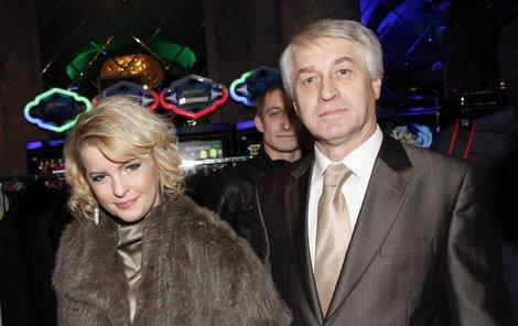 Iveta Bartošová je podle slov svého partnera Josefa připravená zpívat.