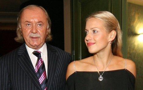 Nejúspěšnější český producent František Janeček se svojí partnerkou Terezou Mátlovou. Ta má v Bídnících jednu z hlavních rolí.