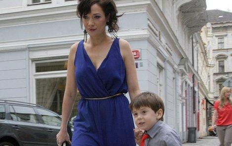 Kostková se synem Toníkem.
