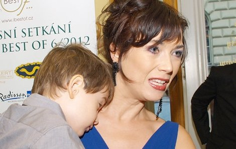 Tereza Kostková se synem Toníkem