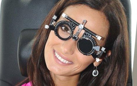 Pravé oko - 6 dioptrií, levé oko - 2, 5 dioptrie.