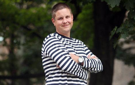Michal Novotný odchází z divadla.