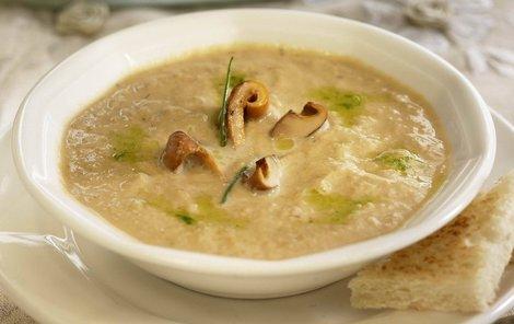 Houbová polévka je vynikající!