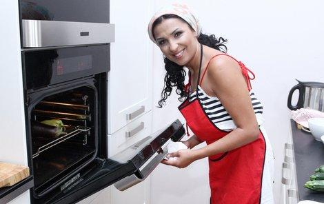 Anife může kritizovat, protože svou balkánskou kuchyni má doslova v malíku.