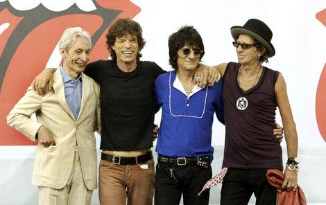 Zleva Charlie Watts (71), Mick Jagger, Ronnie Wood (65) a Keith Richards (68).