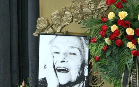 Legendární herečka měla i v posledních chvílích úsměv na tváři.