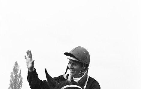 Vítěz Jiří Chaloupka na koni Legenda.