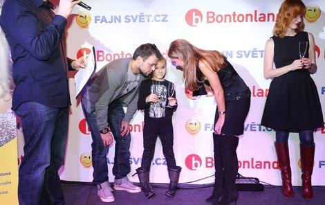 Ujfaluši s dcerkou Kačenkou a Yvettou Blanarovičovou.