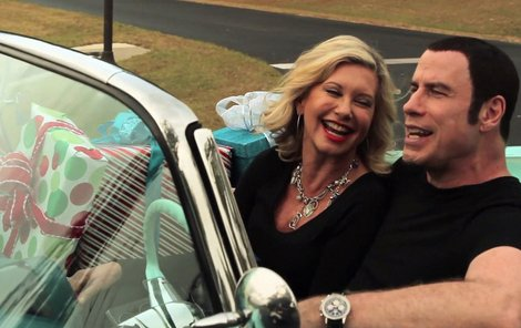 John Travolta a Olivia Newton-John si společně zazpívali po 34 letech.