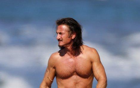 Sean Penn je na svůj věk v obdivuhodné formě