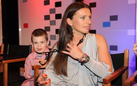Alice Bendová a syn Vašík.