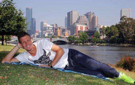 Berdychova pohodička na břehu melbournské řeky Yarra. Bude se smát i po čtvrtfinále?