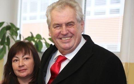 Nový český prezident Miloš Zeman s manželkou a dcerou