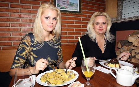 Monika Štiková brání svojí dceru.