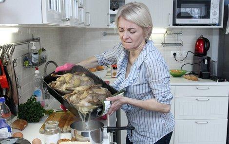 Veronika Žilková bojuje s obří kachnou.