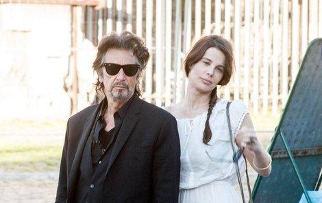 S Lucilou udělal Al Pacino ve svém věku opravdu terno.