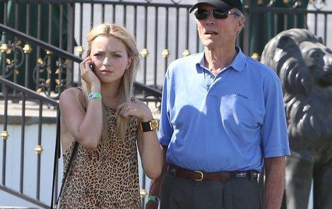 S Francescou vypadá Clint spíš jako její dědeček.