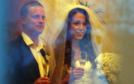 Agáta Hanychová chtěla svatbu s Jakubem Prachařem utajit