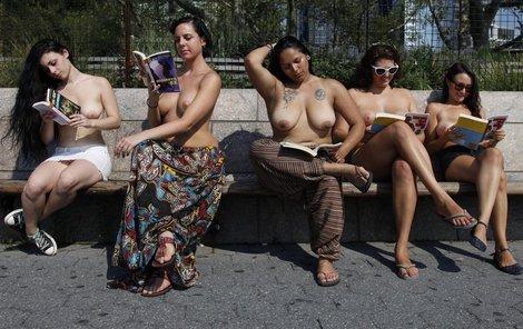 Hit letošního léta: Literatura a prsa