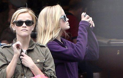 Reese a Ava chodily v Paříži hlavně po nákupech.