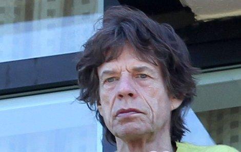 Mick Jagger jako unavený stařík