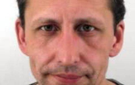 Martin Trávníček je podezřelý z oloupení rodičů.