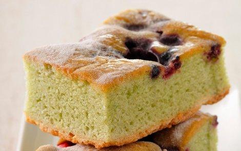 Přidaný tvaroh třešňový koláč zjemní.
