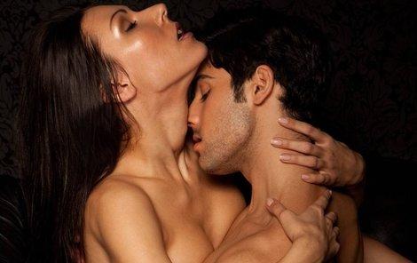 Češi věnují sexu zhruba čtyři hodiny za měsíc.