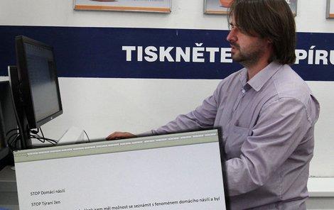 Zdeněk Macura připravuje výzvu pro demonstranty.