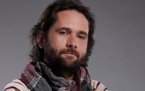 Filip Čapka jako nová posila v seriálu Cesty domů.
