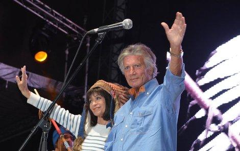 Pierre a Marie na pódiu v Trutnově na Open Air Festivalu.