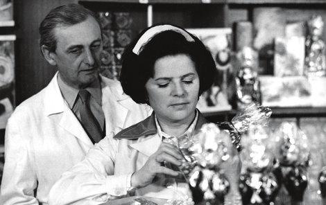 Jiřina Švorcová-Žena za pultem - Zdeněk Řehoř