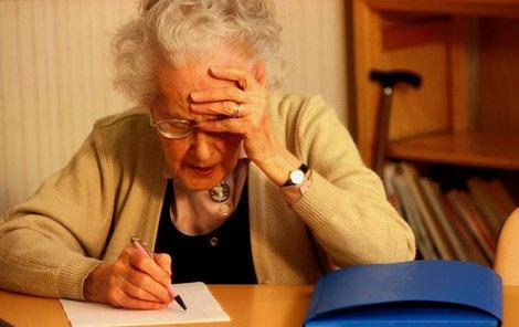Alzheimerova nemoc postihuje většinou starší lidi.