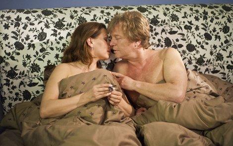 Morávková s Kramár předvedli velmi žhavou postelovou scénu.