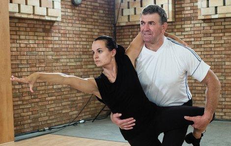 Bývalý atlet a diskař Imrich Bugár s tanečnicí Jitkou Šorfovou