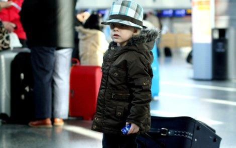 Devítiletý chlapec se proletěl bez letenky přes pět států USA.
