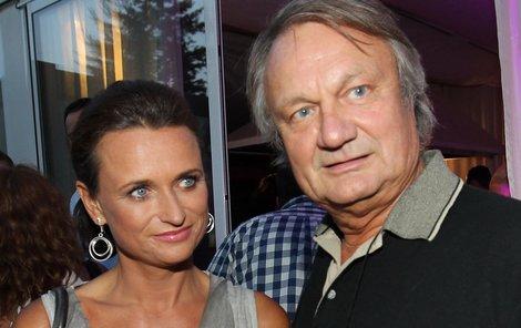 Slaměný vdovec Jiří Adamec.
