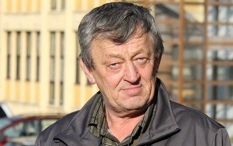 Ladislav Žáček je zoufalý, nikdo »starého« zedníka nechce.