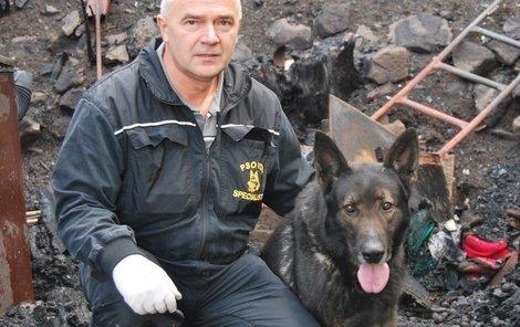 Aldo se svým psovodem Jiřím Hromádkou.