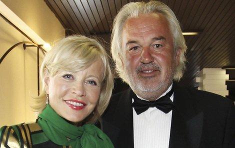 S manželem Pavlem se Jana Švandová chystá do Spojených arabských emirátů a JAR na golf.