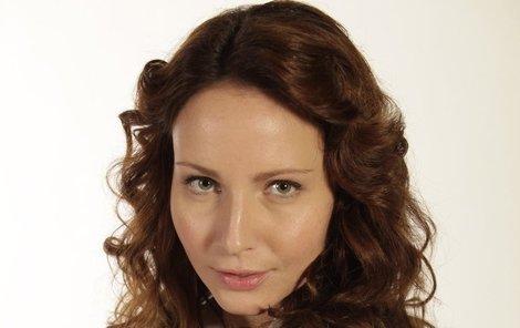 Veronika Nová se v roli Magdalény Škvorové našla.