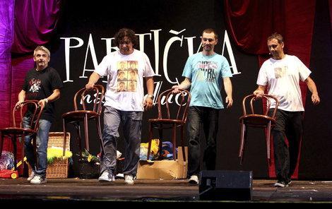 Herci z oblíbené Partičky ovládli Nádraží.
